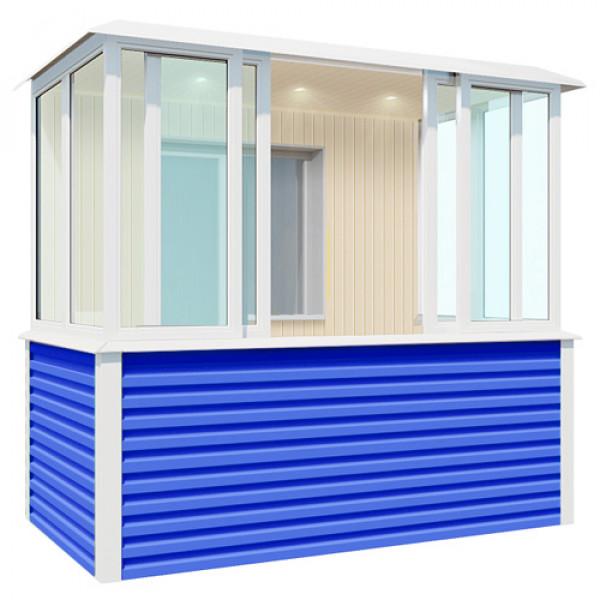 Внутренняя отделка синего балкона шириной 2,7 метра